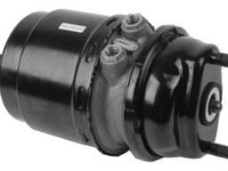 Гальмівний циліндр з пружинним енергоакумулятором