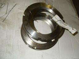 Гайка кольцевая балансира 64221-2918202