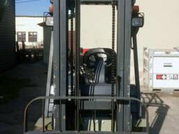 Газовый вилочный погрузчик 2,5 тонны UN FL25T б/у - фото 3