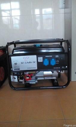 Генератор однофазный 2,5 кВт.