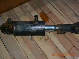 Гидроцилиндр наклона стрелы ЕВ687
