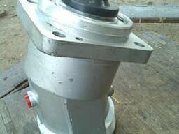 Гидромотор 310.112.03.06 (реверсивный, шлицы) нерегулируемый