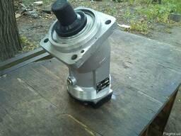 Гидромотор 310.112.04.06 нерегулируемый (реверсивный, шлицы)