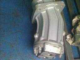 Гидромотор 310.2.28.01 (шпоночный вал, реверс)