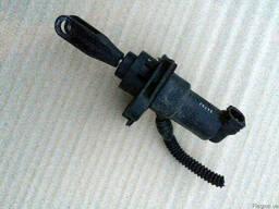 Главный цилиндр сцепления MR594214 на Mitsubishi Colt 04-12