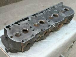Головка блока цилиндров двигателя ЯМЗ-238 старого образца...