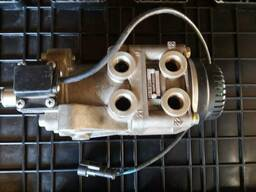 Головний тормозний кран Renault Daf Man
