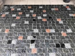 Гранітна бруківка колота тротуарна плитка