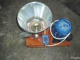 Гранулятор комбикорма бытовой с плоской матрицей 100мм 1,5кв