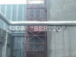 Грузовой подъемник снаружи здания приставной 1000 кг