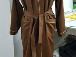 Халат сатиновый коричневый вышивкой корона