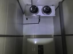 Холодильна камера для охолодження та зберігання малини, лохини, полуниці