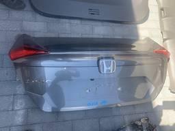 Honda Civic 4D 17г. Крышка багажника в сборе (4D)