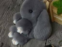 Игрушка - брелок меховой Кролик 18 см (зайка из меха) Источн