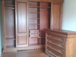 Изготовление корпусной мебели с деревянными фасадами.