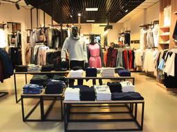 Оборудование, торговая мебель для магазинов одежды, обуви