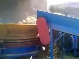 Измельчитель тюков соломы с подающим столом