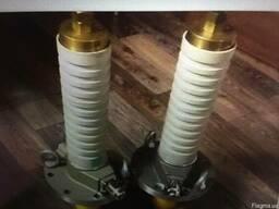 Изолятор главного ввода электровоза ЧС-4 Kkp38,5/630в