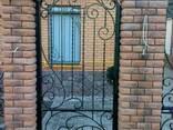 Заборы, калитки, ворота, тамбуры, оградки, перила, лестницы - photo 2