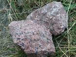 Камінь сірий, червоний граніт, рожевий кварцит - фото 4