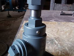 Клапан (вентиль) запорный для цистерн Ду32 чертежный номер 1