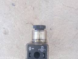 Клапана пластмассовые, без название, -6шт. по 60грн