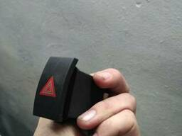 Кнопка аварийки Шкода СуперБ Skoda SuperB 3U0 953 235 D