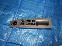 Кнопки стеклоподъемника 93570-3E250CY на Kia Sorento 06-09 (