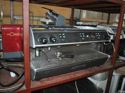 Кофемашина бу трехпостовая La spaziale s3 для кафе бара