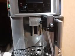 Кофеварка Delonghi PrimaDonna avant