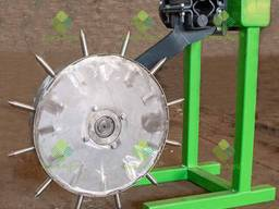 Колесо-дозатор для инъекционного внесения жидких удобрений (корневой подкормки растений).