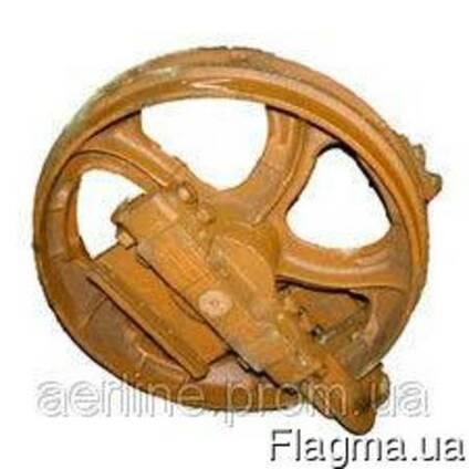 Колесо натяжное в сборе с опорами левое 50-21-305СП