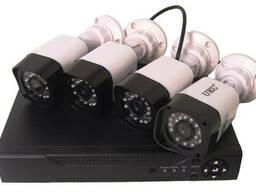 Комплект DVR регистратор 4-канальный и 4 камеры DVR CAD...