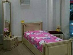 Комплект кроват и напольное зеркало для детской спальни