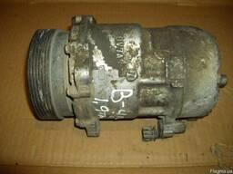 Компрессор кондиционера 1H0820803D Volkswagen Passat B4