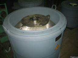 Контейнеры для радиоактивных и высокотоксичных отходов.