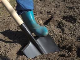 Копка траншей Рабочие бригады землекопов Прокладка кабеля