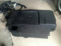 Коробка поддон АКБ аккумулятора Opel Insignia 13255614. ..