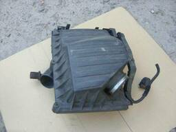 Корпус коробка воздушного фильтра Opel Combo 13270894. ..