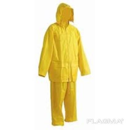 Костюм влагозащитный жёлтого цвета,