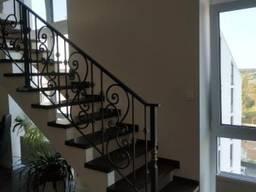 Кованые перила для лестницы, балкона, террасы.