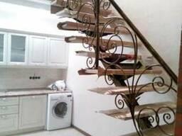 Кованые перила, ограждения для лестниц, балконов, террас.