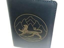 Кожаная обложка на паспорт с индивидуальным рисунком, тексто
