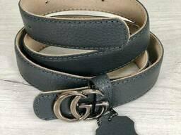 Кожаный ремень серого цвета