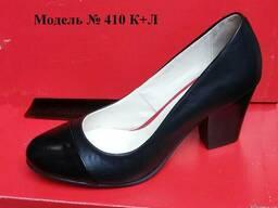 Кожаные классические женски туфли на широком каблуке