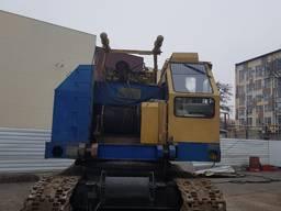 Кран гусеничный МКГ-25.01