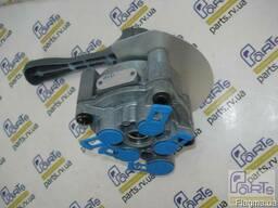 Кран (клапан) ручного управления пневмоподвеской полуприцепа - фото 1
