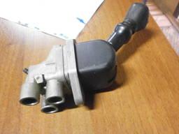Кран ручного тормоза ДАФ DAF 1336128. Новый.