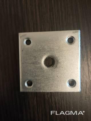 Крепление ножек стола 46х46х2хМ8 прямое