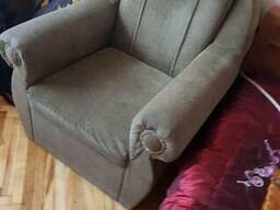 Кресло не раскладной, размеры 90см*90см.